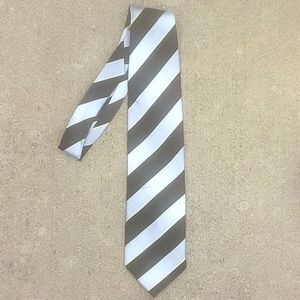 Striped Gucci silk tie